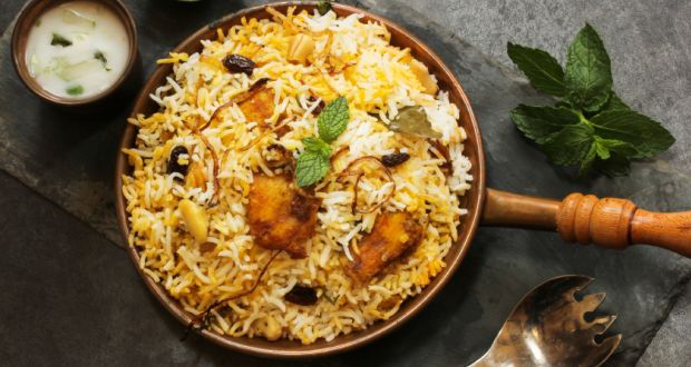 FOUR THINGS THAT MAKE HYDERABAD FAMOUS